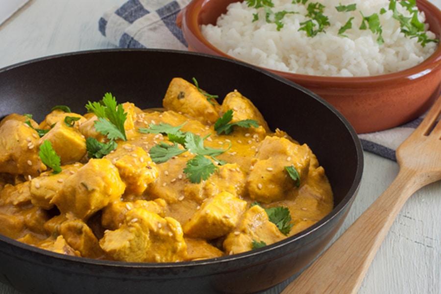 Pollo al curry una receta ex tica de cocina f cil for Como cocinar pollo al curry