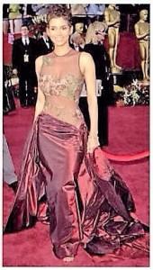 Vestidos de los Oscar - Halle Berry