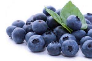 5-frutas-imprescindibles-en-verano-arándanos