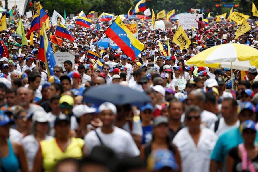 Venezuela ¿debe intervenir la comunidad internacional?