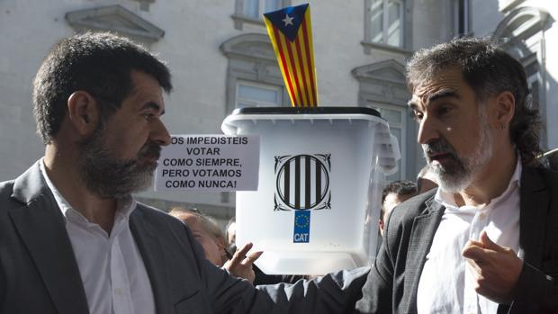 Forcadell, Puigdemont y los jordis se forran con el procés.