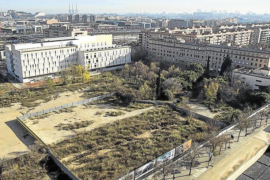 El Consorci saca a concurso público la venta de un solar de equipamiento en los antiguos cuarteles de Sant Andreu