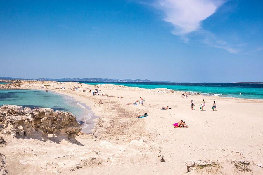 Los 4 lugares que te enamorarán de Formentera