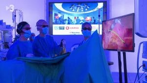 MWC de Barcelona 2019. El Dr. Antonio de Lacy realiza la primera cirugia 5G a nivel mundial. Quirófano Optimus recibiendo mentorización desde el MWC
